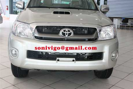 front view of 2009 LHD Toyota Hilux Vigo