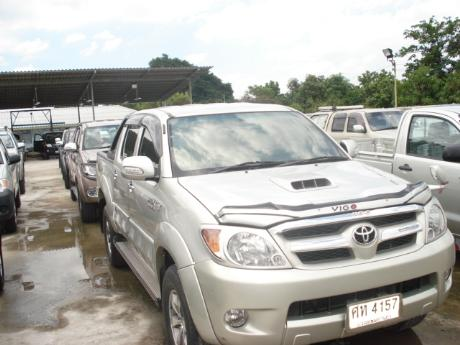 Nearly New and Used Toyota Hilux Vigo Double Cab 4x4 G pics